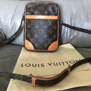 🇫🇷Louis Vuitton Crossbody 🌺🌺🌺🌺🌺🌺🌺🌺🌺🌺